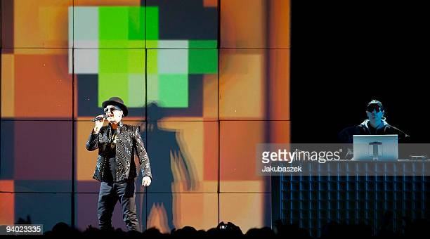 Singer Neil Tennant of the British pop band Pet Shop Boys performs live during a concert at the O2 World on December 5 2009 in Berlin Germany The...