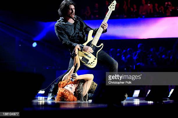 Singer Neon Hitch and musician Eric Roberts perform onstage during VH1's Super Bowl Fan Jam at Indiana State Fairgrounds Pepsi Coliseum on February 2...
