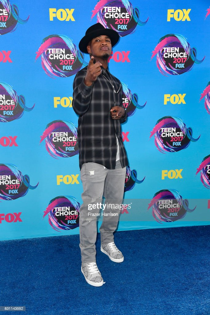 Singer Ne-Yo attends the Teen Choice Awards 2017 at Galen Center on August 13, 2017 in Los Angeles, California.