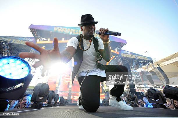 Singer Ne-Yo performs at the 102.7 KIIS FM's Wango Tango at StubHub Center on May 9, 2015 in Los Angeles, California.