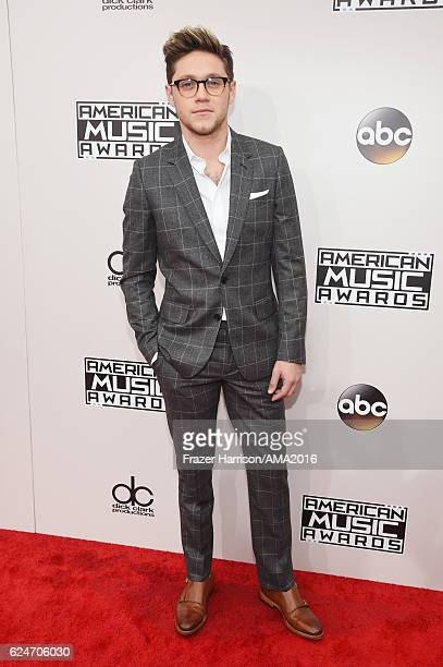 Singer Niall Horan attends the 2016 American Music Awards at Microsoft Theater on November 20 2016 in Los Angeles California