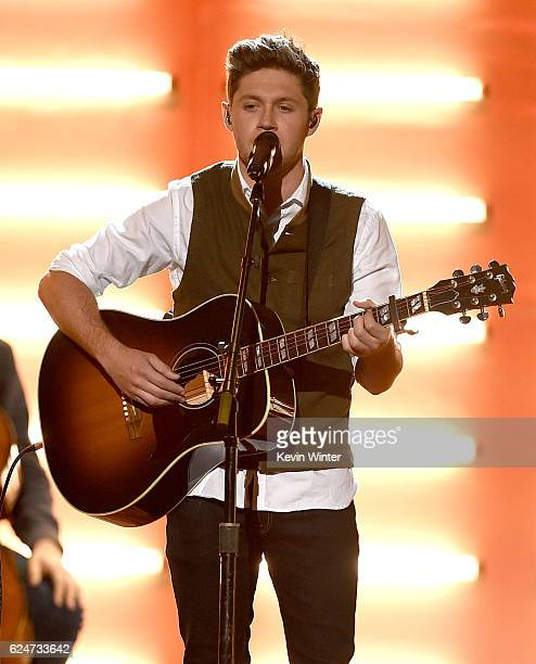 Singer Niall Horan performs onstage during the 2016 American Music Awards at Microsoft Theater on November 20 2016 in Los Angeles California