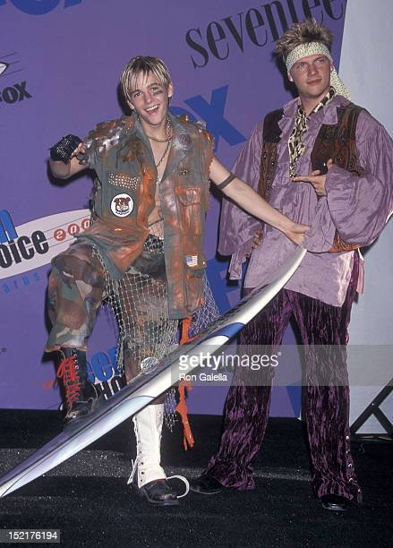 Singer Nick Carter of the Backstreet Boys and brother singer Aaron Carter attend the Third Annual Teen Choice Awards on August 12 2001 at the...