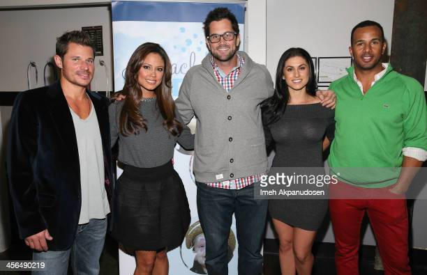 Singer Nick Lachey television personality Vanessa Lachey professional football player Matt Leinart Tatiana Schoeppler and professional baseball...