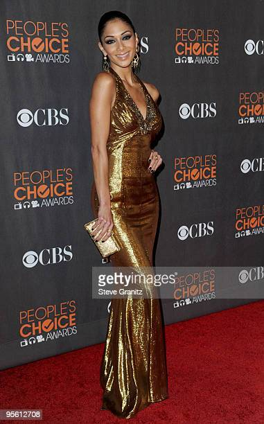 Singer Nicole Scherzinger arrives at the People's Choice Awards 2010 held at Nokia Theatre LA Live on January 6 2010 in Los Angeles California