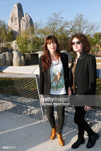 Singer Nolwenn Leroy and her sister Kay attend the Private visit of the Zoological Park of Paris due to reopen on April 12 On April 9 2014 in Paris...