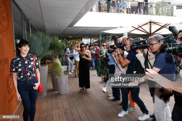 Singer Nolwenn Leroy attends the 2018 French Open Day Four at Roland Garros on May 30 2018 in Paris France
