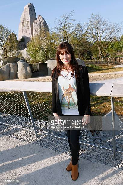 Singer Nolwenn Leroy attends the Private visit of the Zoological Park of Paris due to reopen on April 12 On April 9 2014 in Paris France