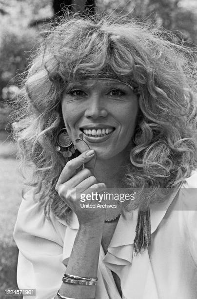Singer, painter and actress Amanda Lear during a photo shoot at Germany, early 1980s.