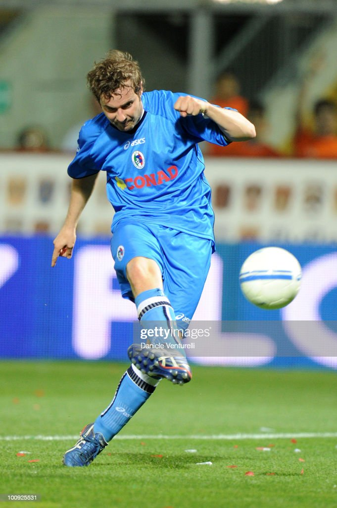 Singer Paolo Meneguzzi of Nazionale Cantanti in action during the XIX Partita Del Cuore charity football game at on May 25, 2010 in Modena, Italy.