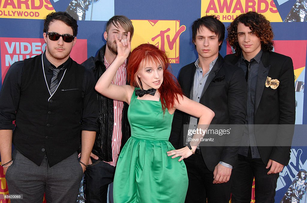 Singer Paramore arrives at the 2008 MTV Video Music Awards at Paramount Pictures Studios on September 7, 2008 in Los Angeles, California.