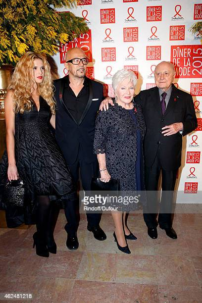 Singer Pascal Obispo his companion Julie Hantson Line Renaud and Pierre Berge attend the Sidaction Gala Dinner 2015 at Pavillon d'Armenonville on...