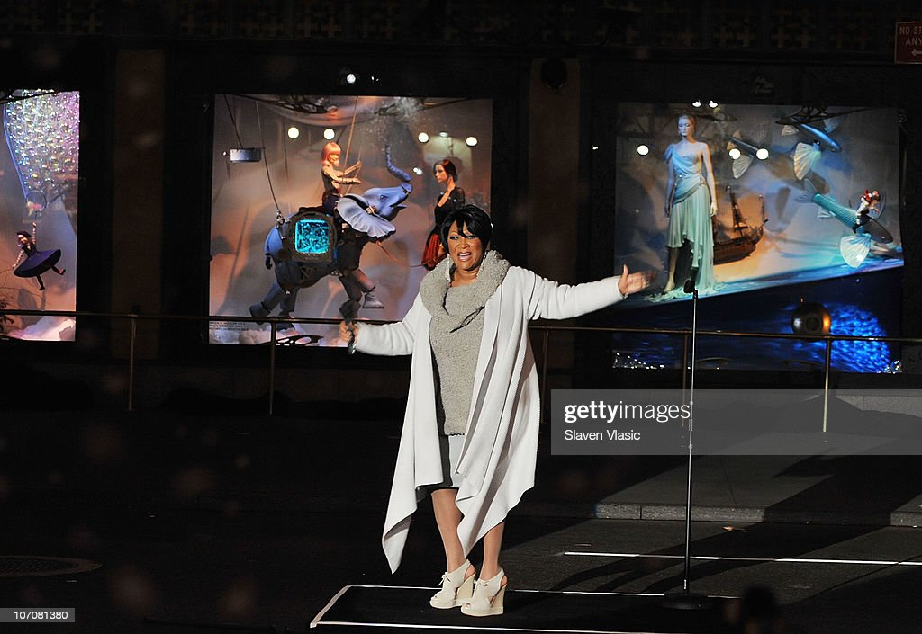 Singer Patti LaBelle Performs At The Saks Fifth Avenue Light Show Spectacle  U0027The Snowflake And