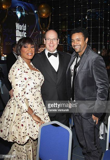 Singer Patti Labelle Prince Albert II of Monaco and singer Shaggy attend the 2007 World Music Awards held at the Sporting Club on November 4 2007 in...