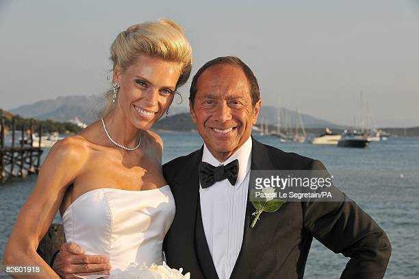 ACCESS*** Singer Paul Anka and Anna Anka pose during their wedding at Hotel Cala di Volpe on July 26 2008 in Porto Cervo Sardinia Italy