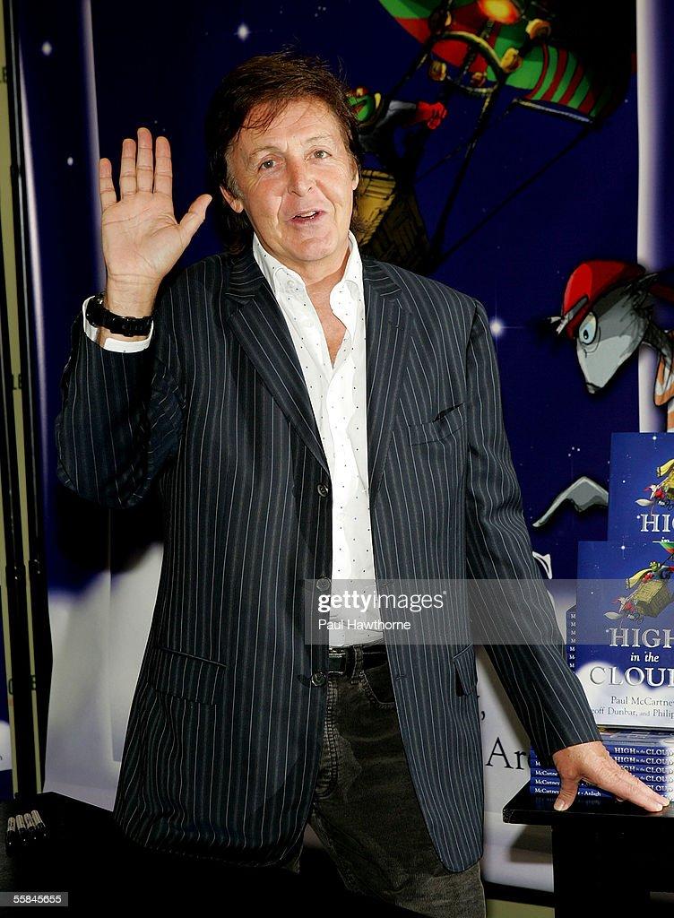 Singer Paul McCartney Makes An Appearance At Barnes Noble Booksellers Rockefeller Center To