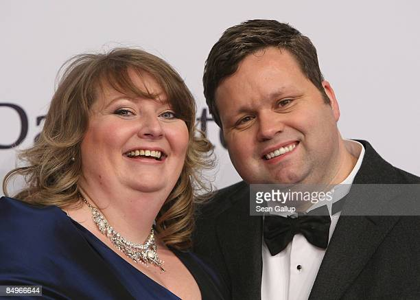Singer Paul Potts and his wife Julie-Ann attend the 2009 Echo Music Awards at the O2 Arena on February 21, 2009 in Berlin, Germany.