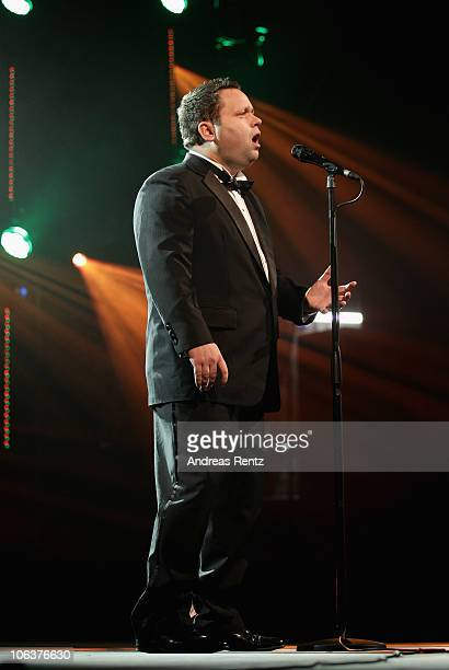 Singer Paul Potts performs on stage at the UNESCO CharityGala 2010 at Maritim Hotel on October 30 2010 in Duesseldorf Germany