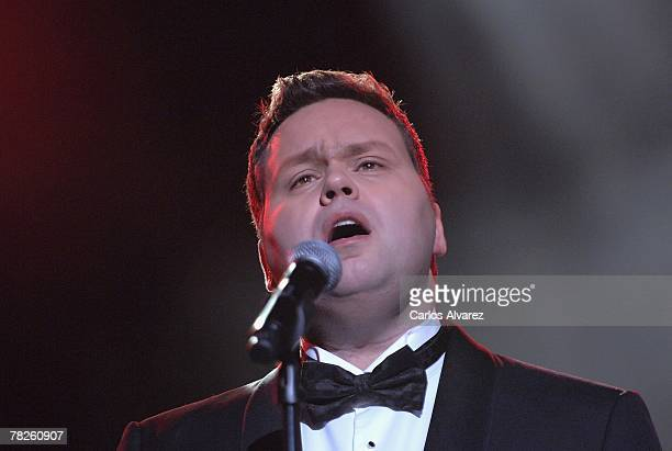 Singer Paul Potts performs on stage during the 54th ONDA Awards ceremony on December 04 2007 at the Liceo Theatre in Barcelona Spain