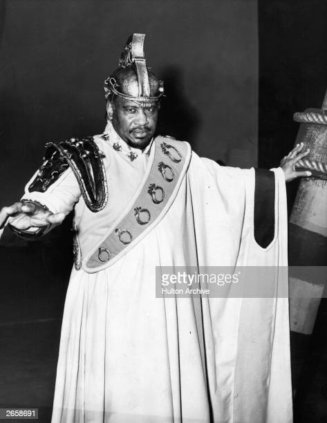 Singer Paul Robeson as Othello in StratfordUponAvon's Shakespeare Memorial Theatre's 100th season
