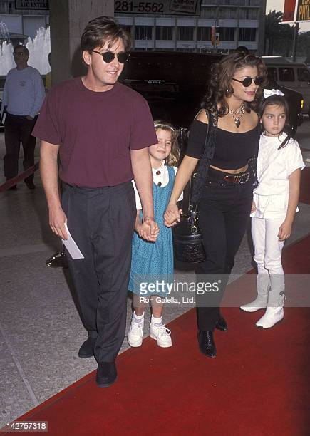 Singer Paula Abdul actor Emilio Estevez his Paloma Estevez and Cassandra Sheen attend the 'Home Alone 2 Lost in New York' Century City Premiere on...