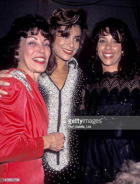 Singer Paula Abdul mother Lorraine Rykiss and sister Wendy Mandel attend the 17th Annual American Music Awards on January 22 1990 at the Shrine...