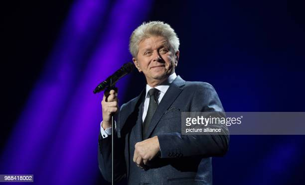 US singer Peter Cetera performs on stage during the 'Night Of The Proms' at the Barclaycard Arena venue in Hamburg Germany 1 December 2017 Photo...