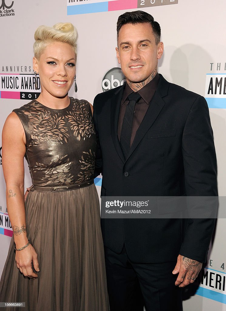 The 40th American Music Awards - Red Carpet