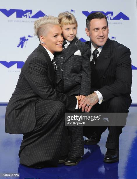 Singer Pink Carey Hart and daughter Willow Sage Hart arrive at the 2017 MTV Video Music Awards at The Forum on August 27 2017 in Inglewood California