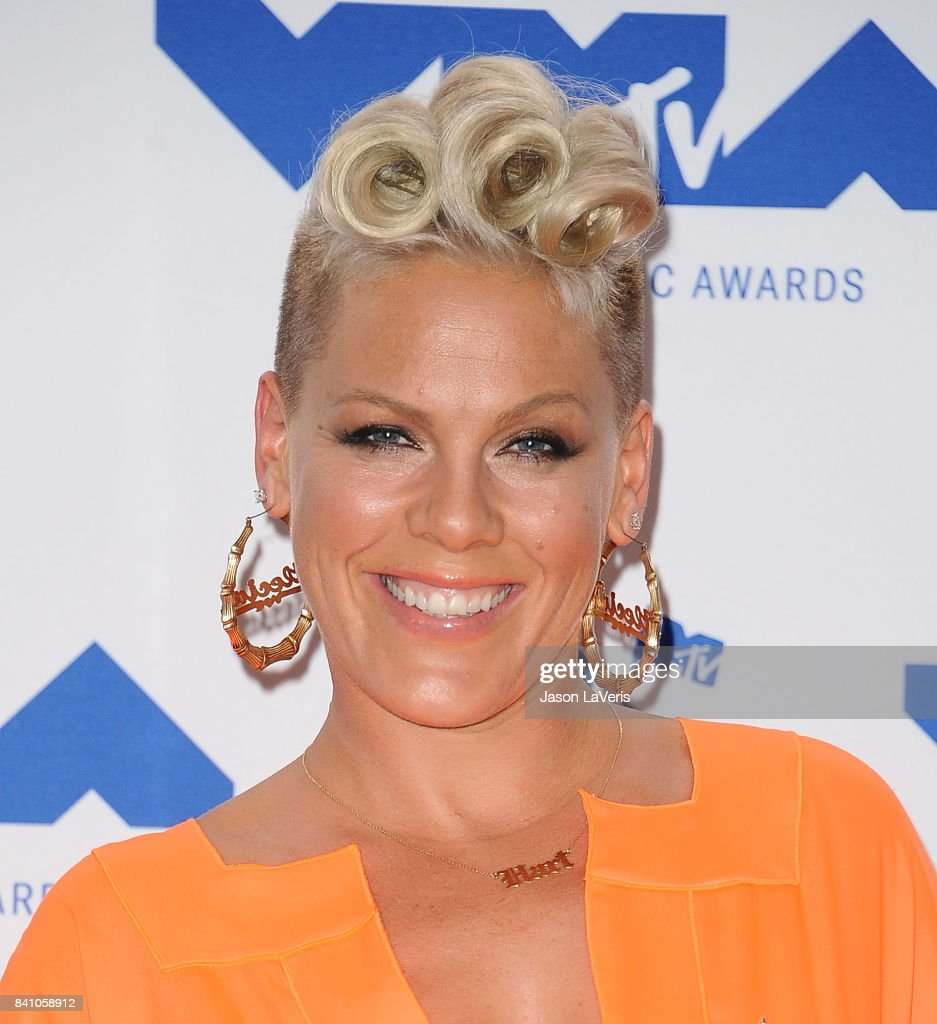 Singer Pink poses in the press room at the 2017 MTV Video Music Awards at The Forum on August 27, 2017 in Inglewood, California.