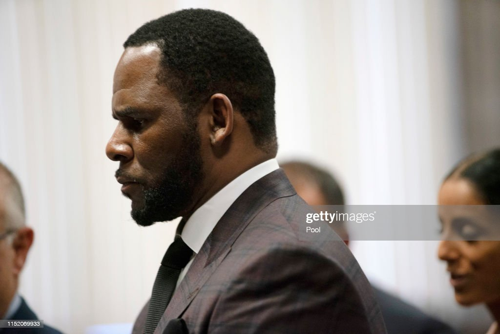 R Kelly Returns To Court For Hearing On Aggravated Sexual Abuse Charges : News Photo