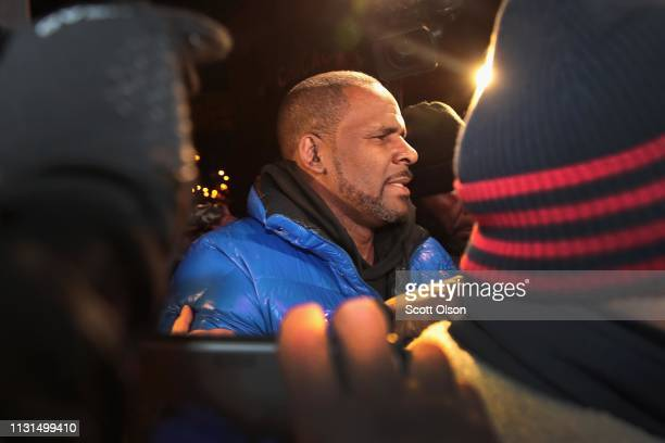 B singer R Kelly arrives at the 1st DistrictCentral police station on February 22 2019 in Chicago Illinois Cook County State's Attorney Kim Foxx...