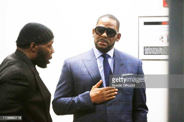 Singer R Kelly arrives at the Daley Center for his hearing on March 6 2019 in Chicago Illinois Kelly was in court after failing to pay more than...