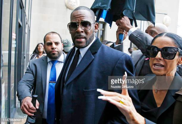Singer R Kelly arrives at the Leighton Courthouse for his status hearing in relation to the sex abuse allegations made against him on May 07 2019 in...