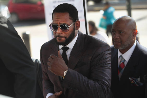 IL: R Kelly Returns To Court For Hearing On Aggravated Sexual Abuse Charges