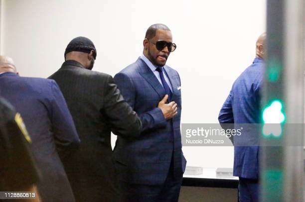 Singer R Kelly goes through security as he arrives at the Daley Center for his hearing on March 6 2019 in Chicago Illinois Kelly was in court after...
