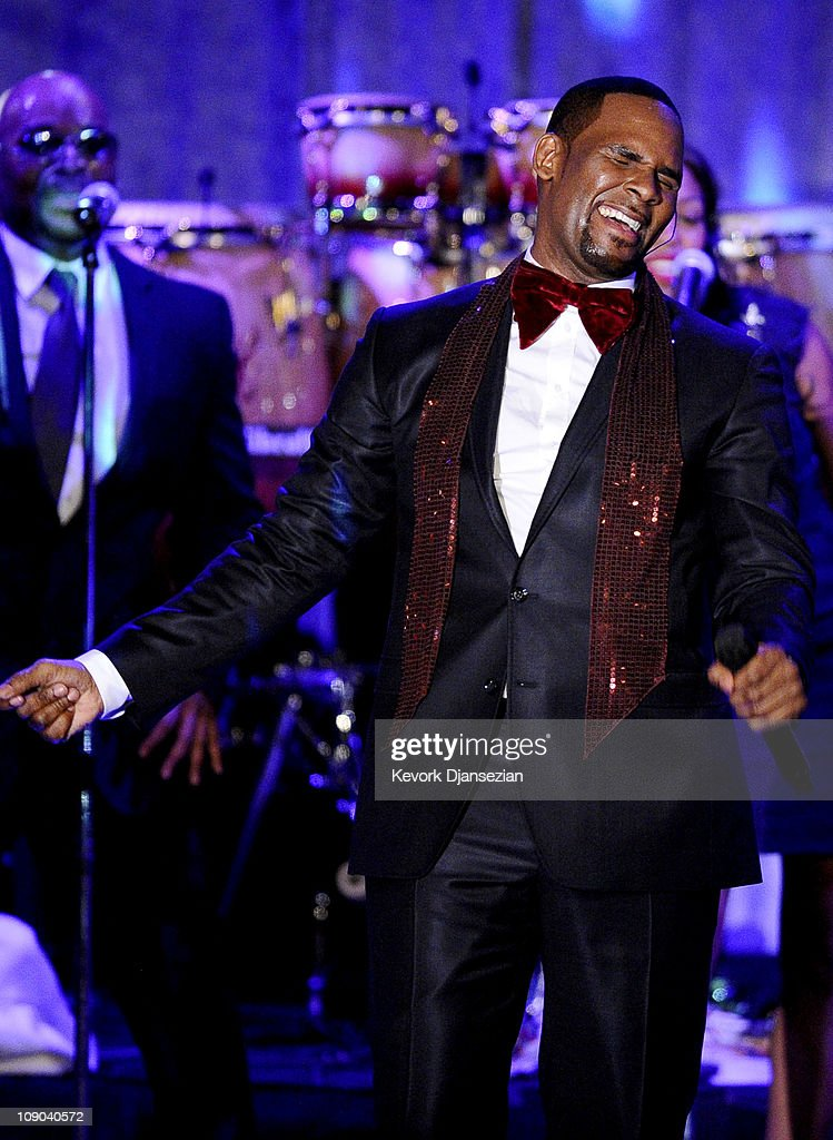 R Kelly Grammy Performance