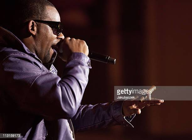 R  Kelly Pictures and Photos - Getty Images