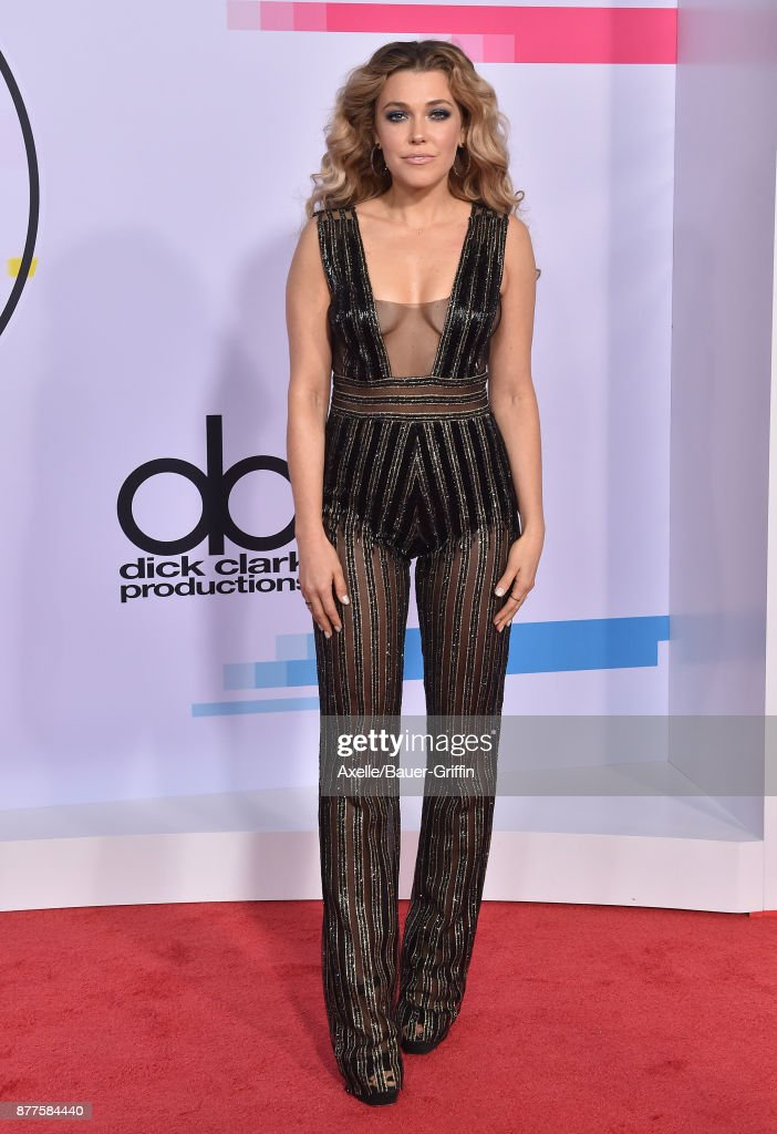Singer Rachel Platten arrives at the 2017 American Music Awards at Microsoft Theater on November 19, 2017 in Los Angeles, California.