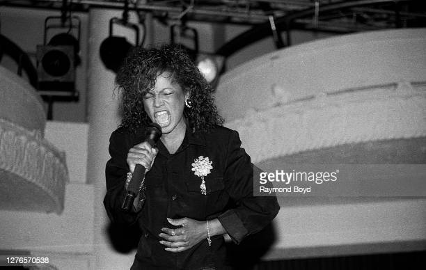 Singer Rebbie Jackson performs at the Eagles Club in Milwaukee, Wisconsin in April 1988.