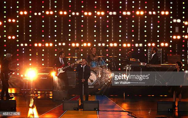 Singer Ricky Ross of Deacon Blue performs during the Closing Ceremony for the Glasgow 2014 Commonwealth Games at Hampden Park on August 3 2014 in...