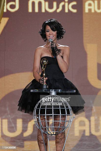 Singer Rihanna accepts the award for World's Best Selling Pop Female Artist during the 2007 World Music Awards held at the Sporting Club on November...