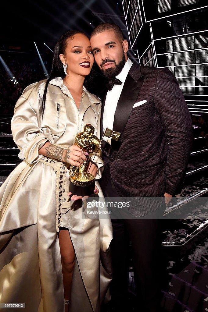 Re: Drake og rihanna dating bekreftet.