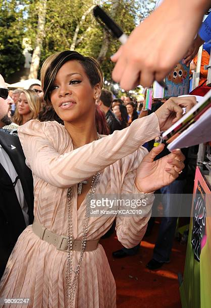 Singer Rihanna arrives at Nickelodeon's 23rd Annual Kids' Choice Awards held at UCLA's Pauley Pavilion on March 27, 2010 in Los Angeles, California.