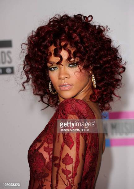 Singer Rihanna arrives at the 2010 American Music Awards held at Nokia Theatre L.A. Live on November 21, 2010 in Los Angeles, California.