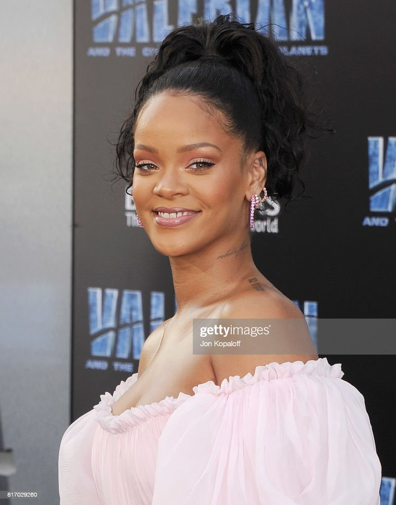 Singer Rihanna arrives at the Los Angeles Premiere 'Valerian And The City Of A Thousand Planets' at TCL Chinese Theatre on July 17, 2017 in Hollywood, California.