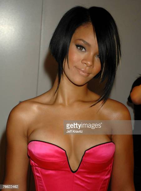 Singer Rihanna attends the 2007 MTV Video Music Awards at the Palms Casino Resort on September 9 2007 in LasVegas Nevada