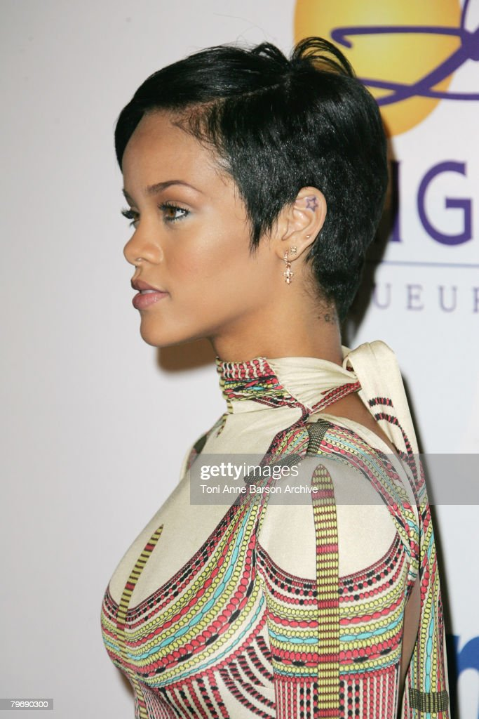 2008 Clive Davis Pre-GRAMMY Party - Arrivals : News Photo