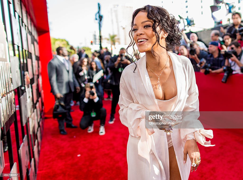 Singer Rihanna attends the 2014 MTV Movie Awards at Nokia Theatre L.A. Live on April 13, 2014 in Los Angeles, California.