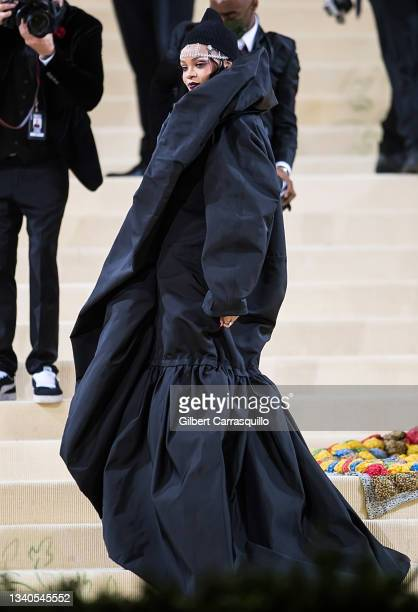 Singer Rihanna attends The 2021 Met Gala Celebrating In America: A Lexicon Of Fashion at The Metropolitan Museum of Art on September 13, 2021 in New...